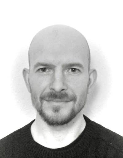 Enseignant de japonais -enseignant d'italien - enseignant d'anglais - enseignant de français à l'Institut Neo à Genève